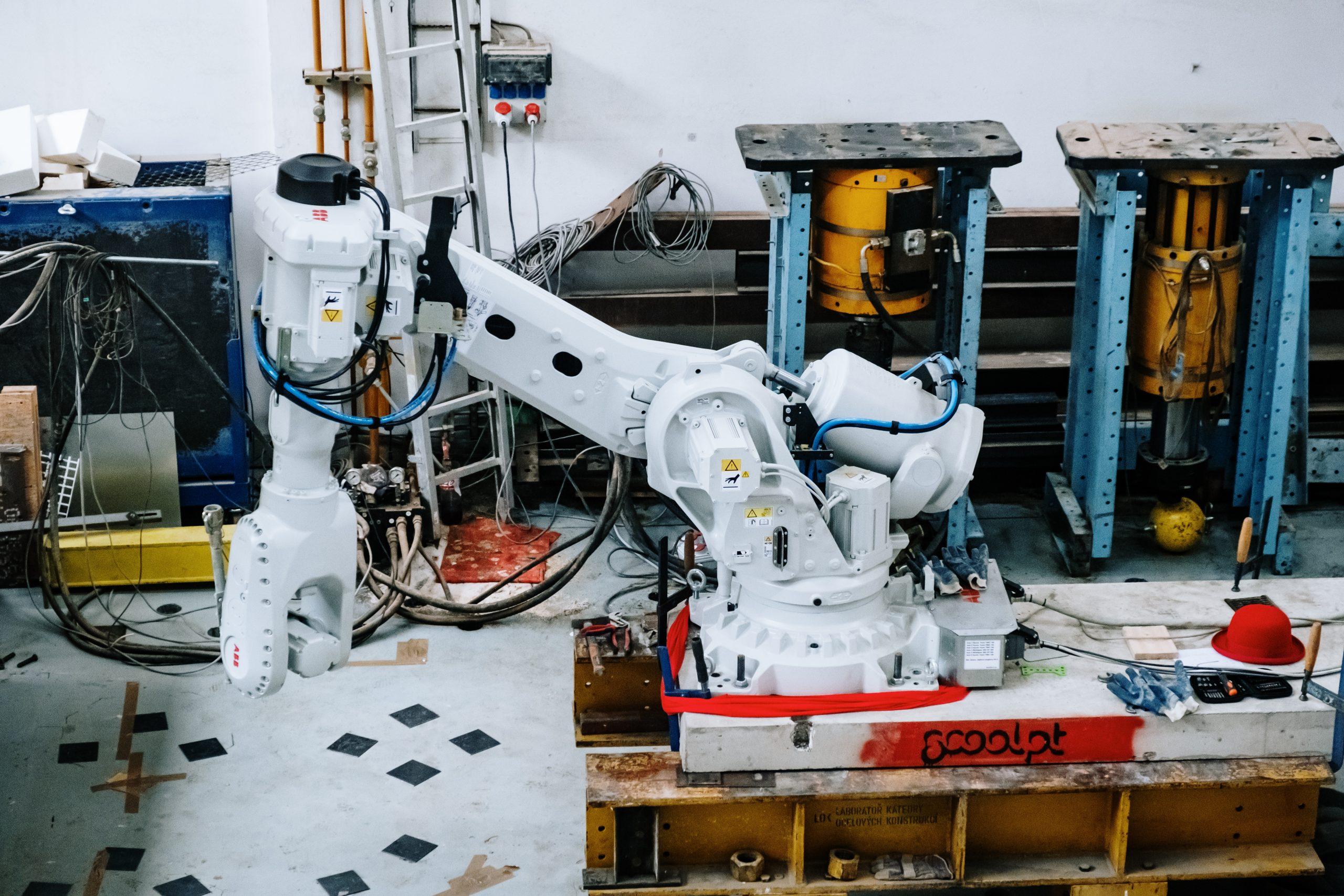 burinka-robotic-arm.jpg